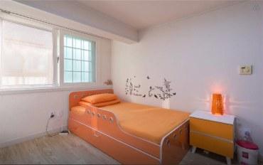 首尔酒店公寓住宿:近地铁站的典雅单人房