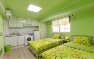 首尔酒店公寓住宿:近地铁站的别致双床间