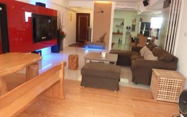 台东酒店公寓住宿:罗杰的舒适四人房