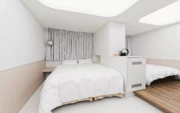 台北酒店公寓住宿:优雅舒适四人房#304