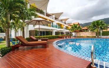 普吉岛酒店公寓住宿:三室别墅 有游泳池和配备齐全的厨房