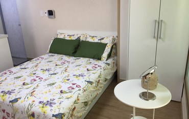 韩国酒店公寓住宿:舒适双人大床房
