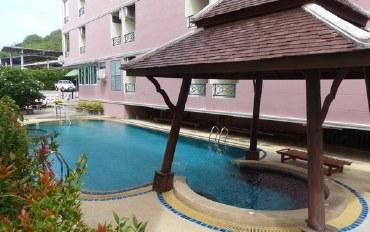 芭提雅酒店公寓住宿:大型公寓带游泳池和空调