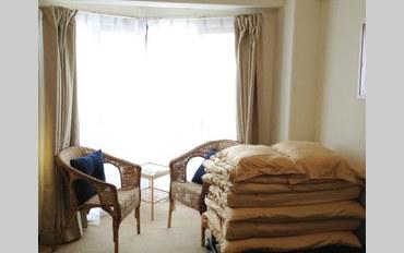 京都酒店公寓住宿:优越的地理位置,靠近公共汽车和电车!