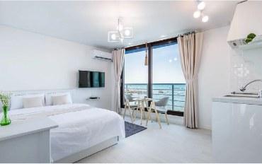 济州岛酒店公寓住宿:海景 简约白色二人房