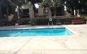 洛杉矶酒店公寓住宿:洛杉矶两室两浴高档独立公寓,约95平米