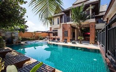 芭提雅酒店公寓住宿:Beverly 泰式6卧室泳池别墅