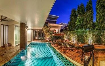 芭提雅酒店公寓住宿:中天三卧室泳池别墅 100米到海滩
