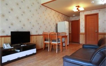 韩国酒店公寓住宿:现代山庄复式4人房/独立露台