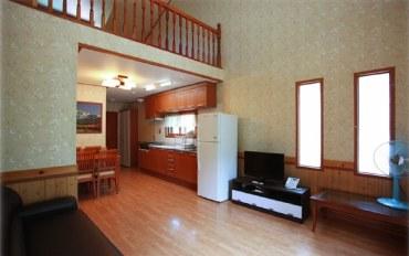 平昌郡酒店公寓住宿:现代复式6人房&带独立露台