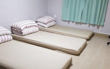 江陵酒店公寓住宿:K guesthouse-地暖3人房