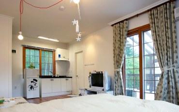 平昌郡酒店公寓住宿:小清新双人床房