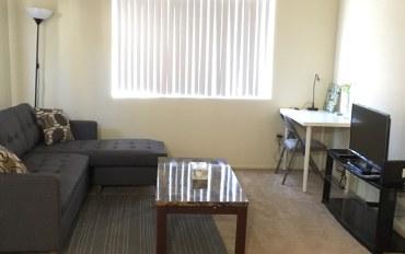 洛杉矶酒店公寓住宿:两房一浴独立公寓