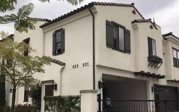 洛杉矶酒店公寓住宿:亚凯迪亚市中心新别墅3房4卫华人超市旁