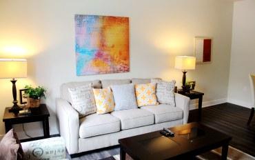 尔湾市酒店公寓住宿:带泳池的现代公寓