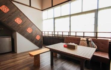 宜兰酒店公寓住宿:原木生活六人房