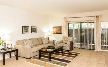 科斯塔梅萨市酒店公寓住宿:靠近购物天堂的公寓