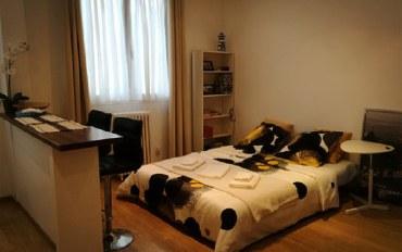 巴黎酒店公寓住宿:凯旋门香街步行7分钟中产小区温馨公寓