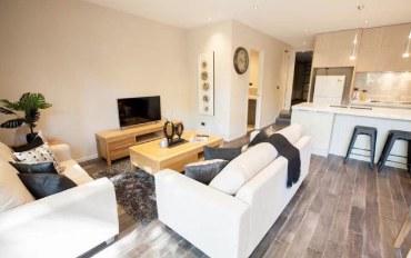 新西兰酒店公寓住宿:奥克兰富人区全新独栋别墅