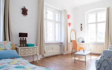 柏林酒店公寓住宿:柏林中心安全繁华富人区阳光电梯公寓