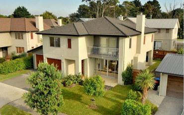 新西兰酒店公寓住宿:奥克兰核心位置超大新小区里的独栋新别墅