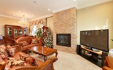 温哥华酒店公寓住宿:加拿大 本拿比繁华市中心-二楼两卧室套房