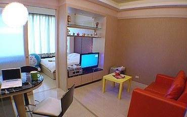 高雄酒店公寓住宿:85大楼绵羊海海景-居家剧院大床房