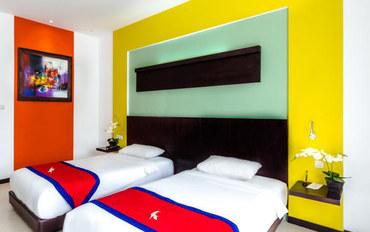 巴厘岛酒店公寓住宿:巴厘岛库塔欧兹酒店高级双床房