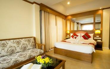 普吉岛酒店公寓住宿:普吉岛察巴酒店豪华大床房