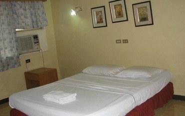 宿务酒店公寓住宿:多纳梅赛德斯旅馆高级大床房