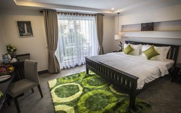 暹粒酒店公寓住宿:暹粒吴哥河畔酒店豪华大床房