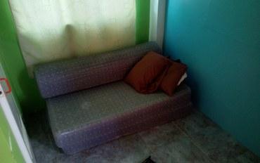 宿务酒店公寓住宿:宝妮塔家庭旅馆简易折叠床垫