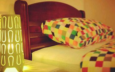 曼谷酒店公寓住宿:曼谷华人青年客栈高级双床房
