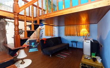 新北酒店公寓住宿:八番坑旧道口民宿岚山海洋大阁楼