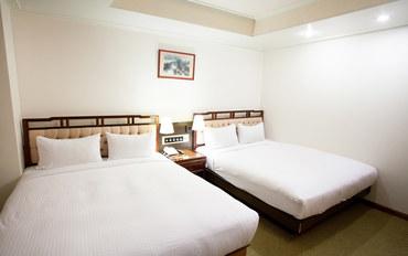 桃园酒店公寓住宿:原鹤商务饭店家庭房