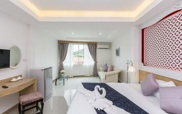 普吉岛酒店公寓住宿:巴东三品宫殿设计酒店超豪华按摩浴缸大床房