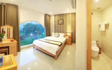 岘港酒店公寓住宿:瓦伦丁酒店高级大床房