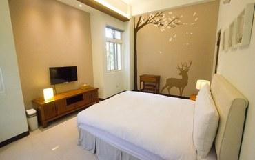 苗栗酒店公寓住宿:缓慢寻路民宿-绿波浪双人大床房