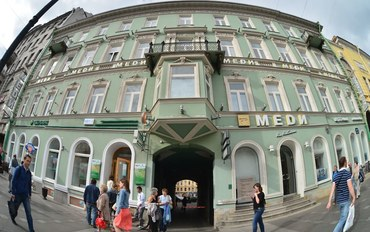 圣彼得堡酒店公寓住宿:圣彼得堡中心黄金地段涅瓦大街82号