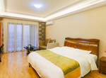 桂林七星区桂林斯维登高新万达高级大床房                         (共8套)